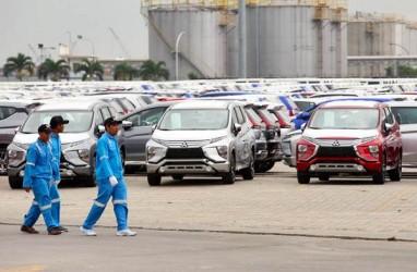 KEMACETAN LALU LINTAS DI PELABUHAN : Car Terminal Priok Butuh Akses Tol