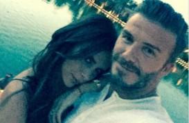 Keluarga David Beckham di Sumba, Dari Berinteraksi dengan Siswa Sekolah Hingga Manjat Pohon Kelapa