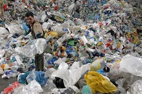 Limbah plastik - Reuters