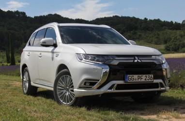 Mitsubishi Pasarkan Versi Baru Outlander PHEV di Jepang