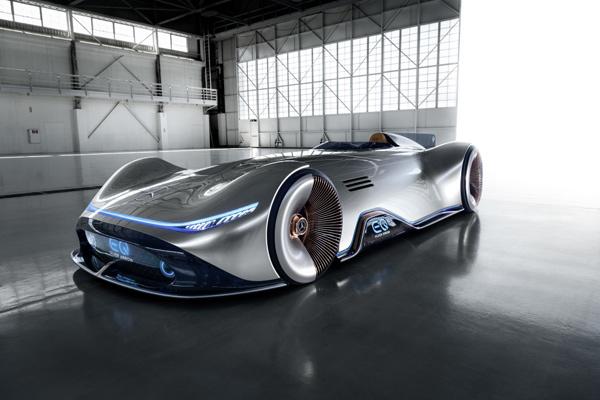 Mercedes Benz Vision EQ Silver Arrow.  - DAIMLER