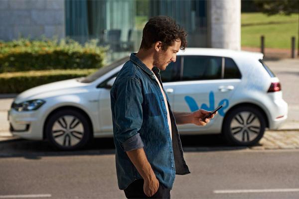 Carsharing untuk semua. Berbasis aplikasi dan mudah.  - VW