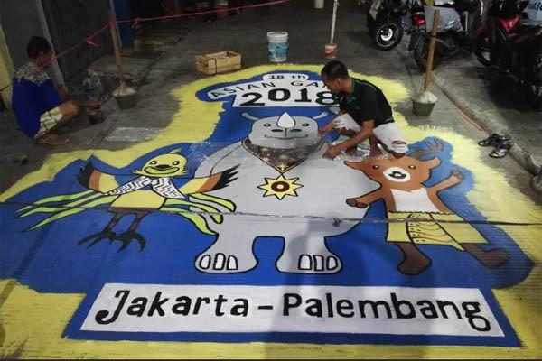 Hasil kreasi pemuda Jati Pulo, Palmerah, Jakarta Barat dalam menyambut Asian Games. - Bisnis/ Regi Yanuar Widhia Dinnata