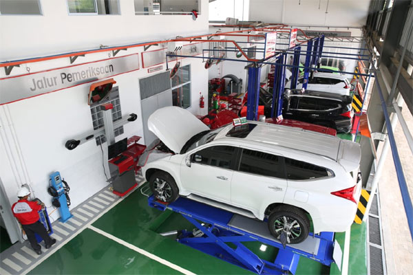 Area Workshop diler Kendaraan Penumpang Mitsubishi Pekan Perkasa Berlian Motor Batam.  - Bisnis.com/MKKSI