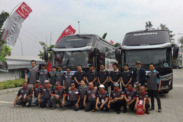 Peserta Hino Safety Riding Competition di Yogyakarta.  - HMSI