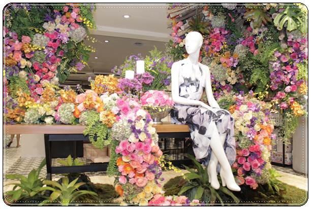 Memeriahkan kehadiran empat tahun, Central Department Store menggelar acara bertajuk Central Flower Extravaganza 2018 - Bisnis / Asteria Desi Kartika Sari