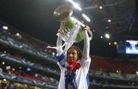 Luka Modric Dinobatkan Jadi Pemain Terbaik Eropa Kalahkan Messi dan Ronaldo