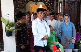 'Sowan' ke Sinta Nuriyah Wahid, Jokowi Santap Bubur Merah Putih