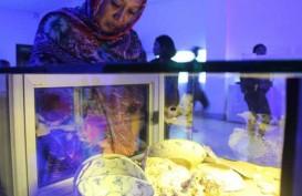 Arkeolog Universitas Udayana Pamerkan 51 Artefak Hasil Temuan