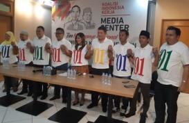 Jokowi Berikan Seragam Kampanye Baru ke TKN Jokowi-Ma'ruf