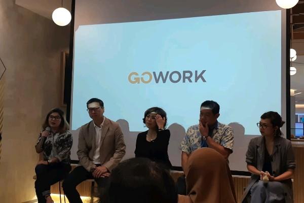 Presentasi GoWork dalam Acara Press Conference di Pacific Place Mal, Jakarta -  Bisnis/Eva Rianti