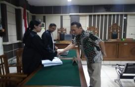 Bupati Kebumen Nonaktif Dituntut 5 Tahun Penjara & Denda Rp600 Juta