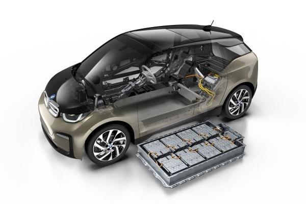 BMW i3 memperkuat posisinya sebagai pemimpin inovasi dan perintis untuk mobilitas listrik - BMW