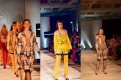 Tenun Sumba Timur Melenggang di Milan Fashion Week Spring/Summer 2019