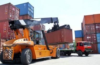 INSPEKSI KELAIKAN KONTAINER  : Pelayaran Khawatir Biaya Logistik Terkerek
