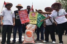 Protes Impor Gula, Ratusan Petani Tebu Berunjuk Rasa…