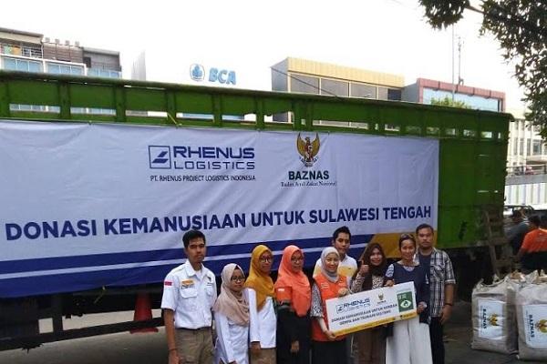 Tim dari Baznas dan PT Rhenus Logistics menyiapkan barang bantuan untuk korban gempa bumi dan tsunami di Palu, Donggala dan Sigi, Sulawesi Tengah. - JIBI/Istimewa