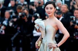 """Hilang"" Berbulan-bulan, Fan Bingbing Terlihat Lagi di Publik"