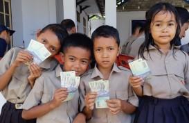 Siswa SD di Pulau Nusa, Sulut, Antusias Tukar Uang Lusuh