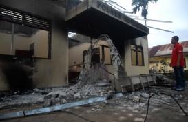 Ribuan Massa Bakar dan Rusak Kantor Polsek Bendahara Aceh Tamiang
