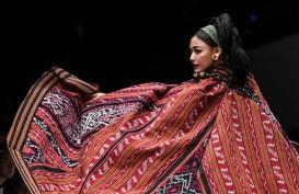 Anne Avantie Hadirkan 'Badai Pasti Berlalu' di Jakarta Fashion Week 2019