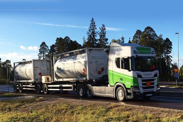 Truk Scania berbahan bakar bioethanol.  - Volskwagen
