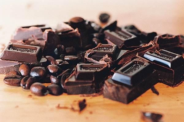 Cokelat hitam - popsugar.com