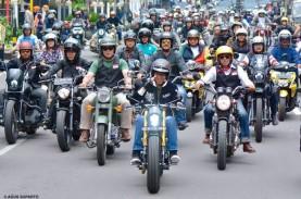 Blusukan ke Pasar, Jokowi Konvoi Motor di Bandung