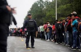 Rombongan Imigran Semakin Dekat, AS Pasang Kawat Berduri di Perbatasan