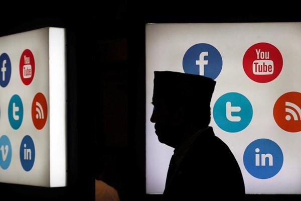 Ilustrasi media sosial - Reuters/Beawiharta
