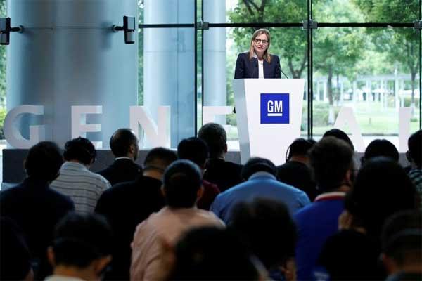 Mary T. Barra, chairwoman and chief executive of General Motors, bulan lalu di GM Shanghai. GM telah membuat mobil listrik dan mobil otonom untuk meningkatkan fokus strategi.  - Reuters