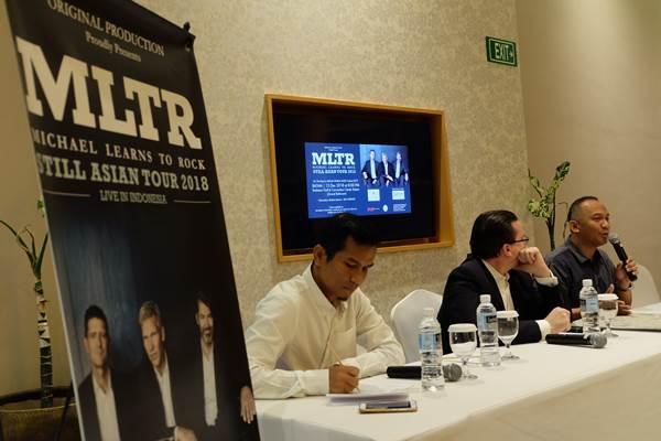 """Pimpinan Original Production Tommy Pratama saat menggelar konferensi pers konser""""Still"""" LIVE MLTR di Batam - Bisnis/Sarma Haratua Siregar"""