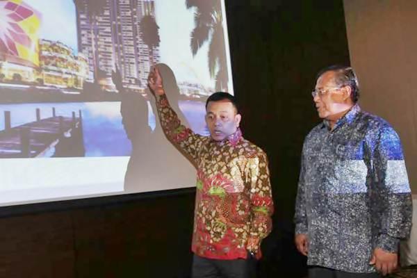 Direktur Utama PT PP Properti Tbk Taufik Hidayat (kiri), bersama Direktur Indaryanto memaparkan kinerja perseroan, di Jakarta, Selasa (25/7). - JIBI/Endang Muchtar