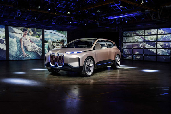 BMW Vision iNEXT.  - BMW