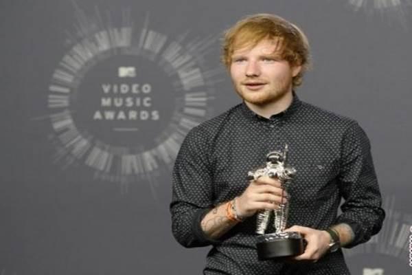 Penyanyi sekaligus penulis lagu asal Inggris, Ed Sheeran. - Reuters