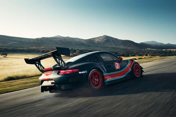 Porsche 911 GT2 RS Clubsport.  - PORSCHE
