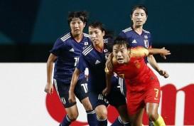 Abdelkarim Hassan & Wang Shuang Pesepak Bola Terbaik Asia