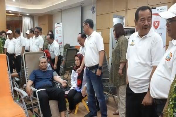 Suasana donor darah yang diselenggarakan Metland - Istimewa