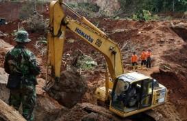 Longsor Tutup Jalan Raya Bandung - Cisewu, Garut