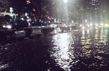 Cuaca Jakarta 8 Desember: Siang Hujan Lokal, Sore dan Malam Berawan