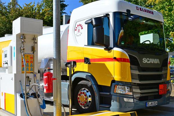Armada Scania berbahan bakar gas.  - SCANIA