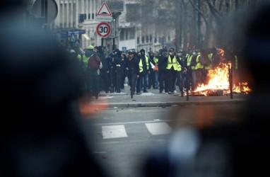 Terdesak Tuntutan Protes, Presiden Prancis Akan Temui Pelaku Usaha