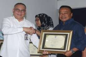 'Bisnis Indonesia' Raih Penghargaan Bahasa Indonesia…