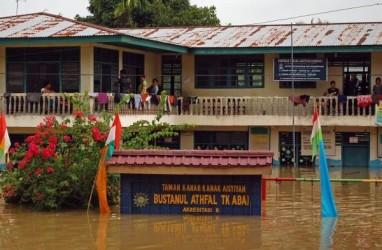 Dilanda Banjir 3 Pekan, Kampar Butuh 13.000 Ton Beras