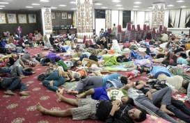 Laut Surut, Ribuan Warga Lampung Mengungsi Khawatir Tsunami