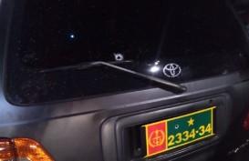 Mobil Dinas TNI Ditembak Orang Tak Dikenal