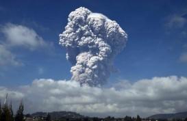 Gunung Sinabung Berstatus Awas, Gunung Agung Siaga