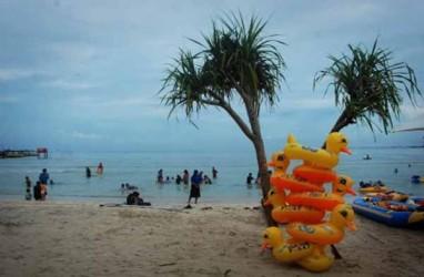 Ratusan Wisatawan Tertahan di Karimunjawa, Ini yang Mereka Lakukan