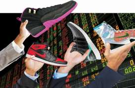 Sepatu Sneaker Bulky Bisa Jadi Primadona
