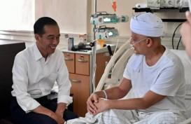 Presiden Jokowi Jenguk Ustaz Arifin Ilham di RSCM